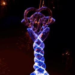 Celtic Knot Ice Sculpture